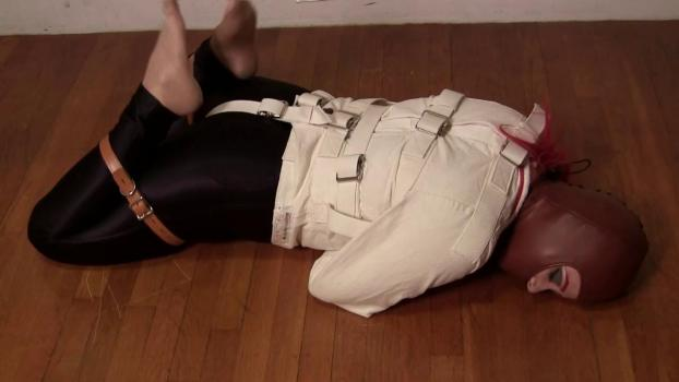 Straitjacketed 2013 10 18 Deanna Deadly In A Posey Straitjacket XXX 720p MP4-hUSHhUSH