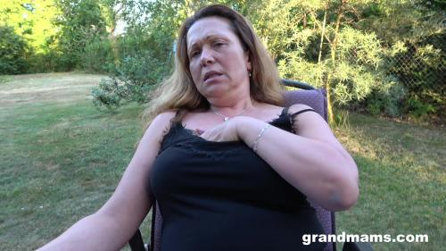 Mature Pussy Stimulation In The Back Yard [FullHD 1080P]