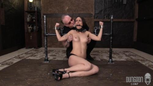 The Bikini Shoot Goes Awry – Jade Nile. Dungeoncorp.com (1226 Mb)