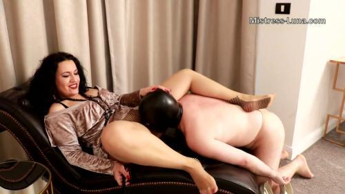 Hot Nude Upskirt wet pantie pics