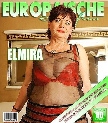 Mature - Elmira V. (50) - Pummelige reife Dame wird in der Wanne nass