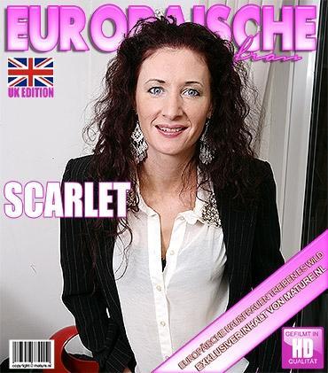 Mature - Scarlet (EU) (39) - Britische Hausfrau spielt mit sich selbst