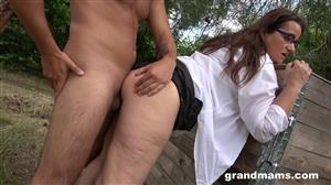 grandmams-19-08-20-amanda-and-her-young-secret-lover.jpg