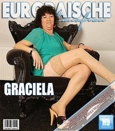 Mature - Graciela (45) - Pummelige reife Dame geht wild