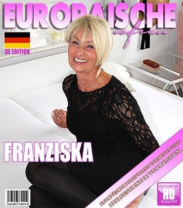 Mature - Franziska (EU) (71) - Deutsche Reife Dame spielt im Bett