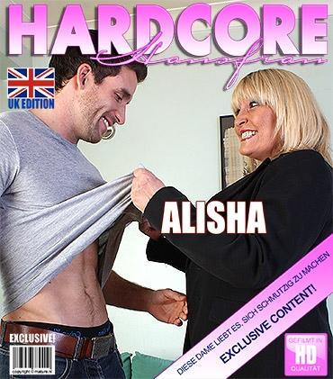 Mature - Alisha Rydes (EU) (53) - Britische Pummelige reife Dame fickt und saugt