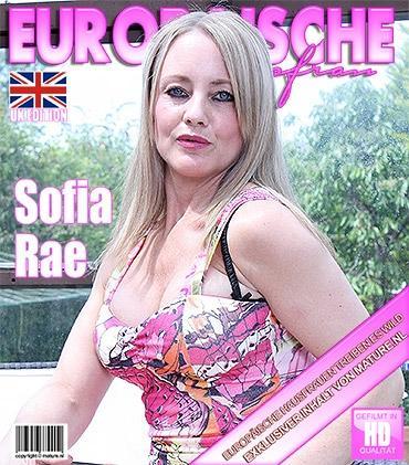 Mature - Sofia Rae (EU) (43) - Britische Heiße mama strippt und fühlt sich frech
