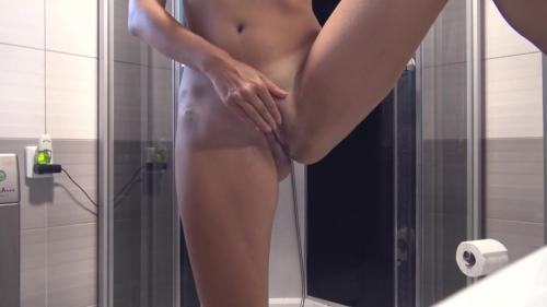 Sweet Bunny - Playing With My Wet Pussy Before Taking A Shower [FullHD 1080P]
