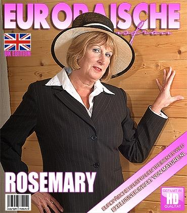 Mature - Rosemary (EU) (51) - Britische kurvige ältere Dame fingert sich selbst