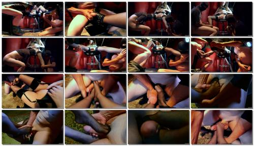 1079_ffezine-young-leather-mistress-submissive-foot_thumb.jpg