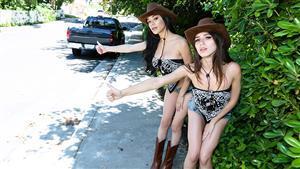 stepsiblings-19-08-31-savannah-sixx-and-gianna-gem-getting-groovy-down-south.jpg