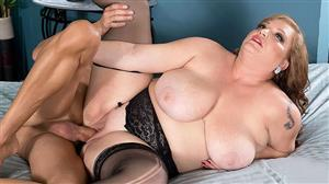 pornmegaload-19-09-02-christine-cox-breaking-in-the-newcomer.jpg