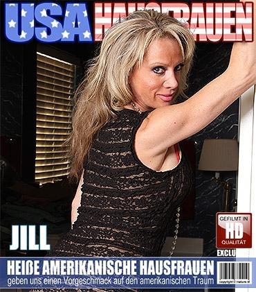 Mature - Jill E. (41) - Amerikanisch Hausfrau fummelt herum