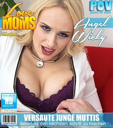 Mature - Angel Wicky (30) - Heiße mama fickt und saugt