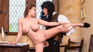 private-19-09-11-alice-wayne-tits-and-the-law-of-gravity.jpg