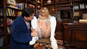 exxxtrasmall-19-09-12-allie-addison-tiny-bookworm-blonde.jpg