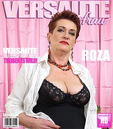 Mature - Roza C. (59) - Geile Hausfrau fingert sich selbst