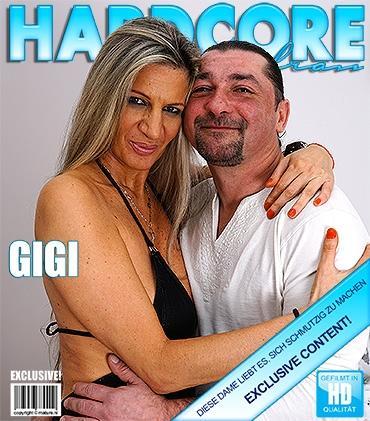 Mature - Gigi S. (44) - Heiße Hausfrau fickt und saugt