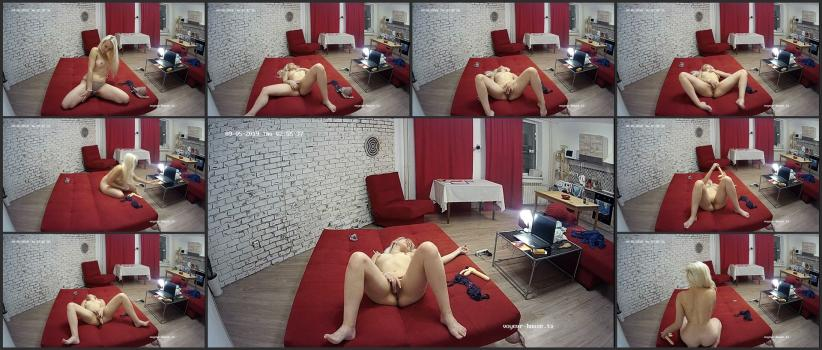 Voyeur_house_tv_09-13_003352