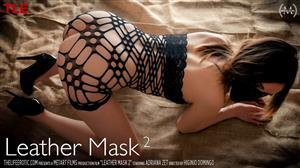 thelifeerotic-19-08-09-adriana-zet-leather-mask-2.jpg
