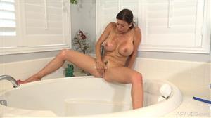 karupsow-19-08-09-alexis-fawx-post-coital-cleanse.jpg
